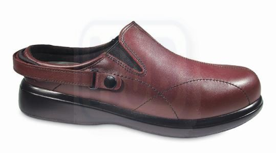 Nature's Stride Nantucket Therapeutic Shoes for Women - Merlot .