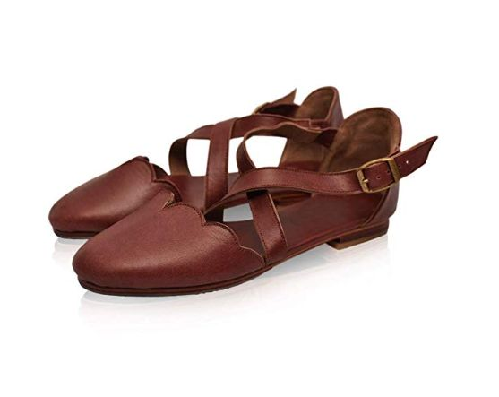 15 Pretty Women's Closed-Toe Sandals On Amazon That Look-High End .