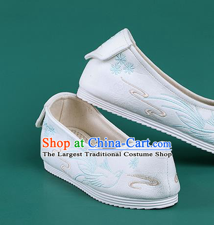 Chinese Traditional Embroidered Bird White Shoes Hanfu Shoes .