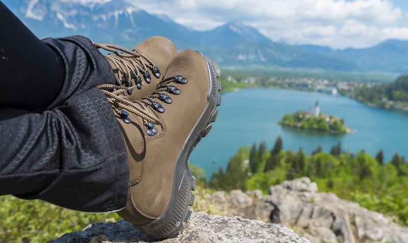 The 7 Best Women's Hiking Boots 🥾 [2020 Reviews] | Outside Pursui