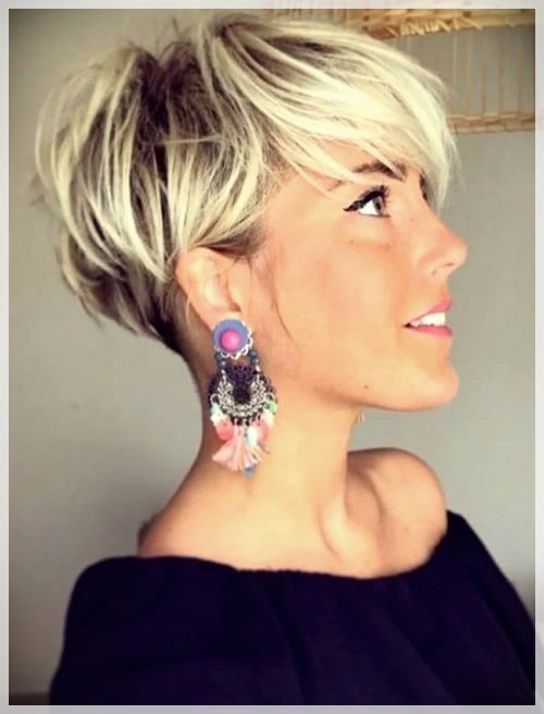 Best Short Haircuts 2019: trends and photosShort and Curly .
