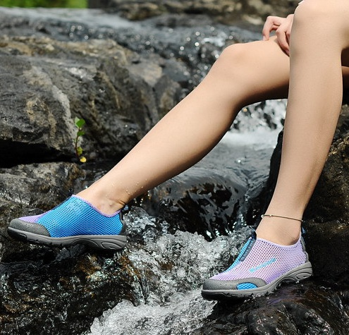 Finding The Best Water Shoes For Women: Reviews and Buyer's Gui