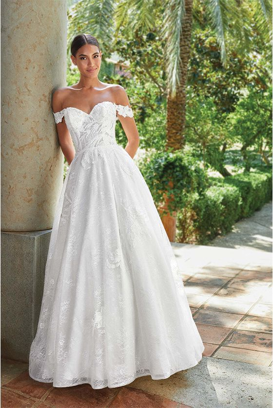 Romantic and Traditional Wedding Dresses   Sincerity Brid