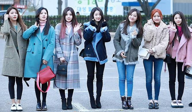 Female K-Pop Idol Daily Winter Fashion Compilation | Kpopmap .