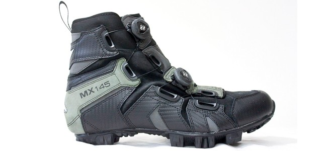 The 8 Best Winter Cycling Shoes - Road & MTB Mode