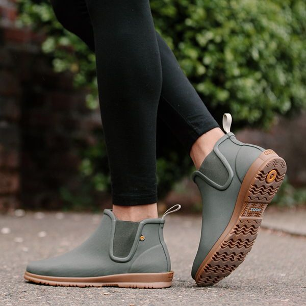 Sweetpea Boot | Chelsea rain boots, Ankle rain boots outfit .